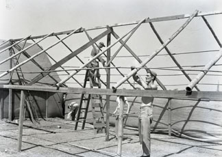 [Construction of the Photo Lab]