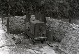 [Japanese-captured and Abandoned Power Generator]