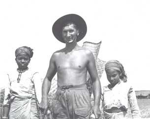 [South African soldier with friends]