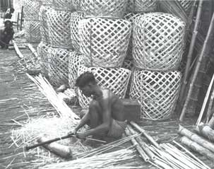 [Bamboo basket maker]