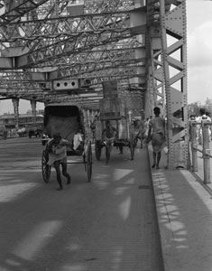 [Hooghly River bridge]