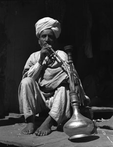 [Sikh enjoying hookah]
